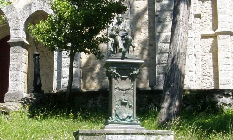 Escultura de Romualdo Chavarri