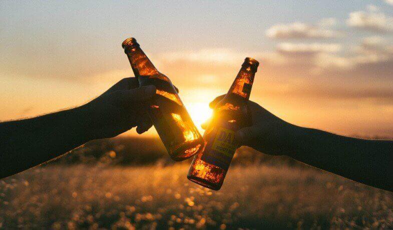 el arte de servir una cerveza artesana